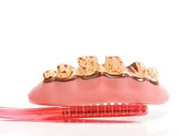 Фториди в зубних пастах: чи існує користь?
